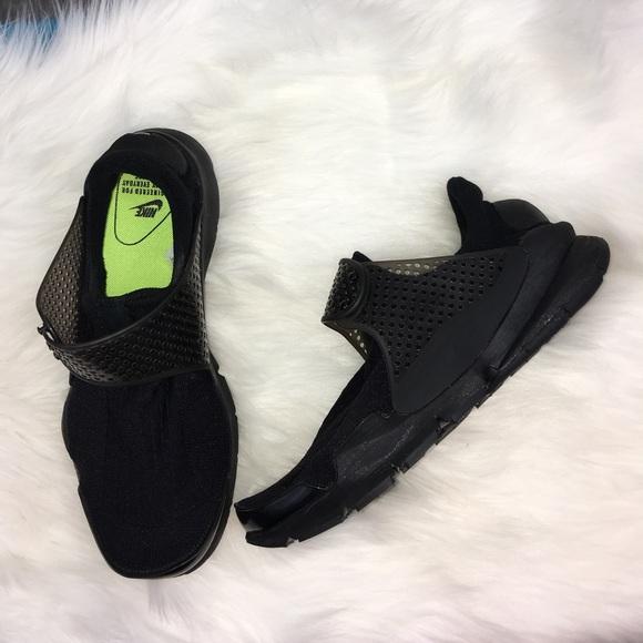 best website 97b52 149dd New women s Nike Black Sock Dart Running Shoes 10.  M 5bc3d3fe2beb79b501dedd66